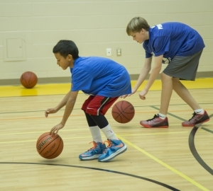 image of a GTA Training basketball dribbling clinic in Toronto